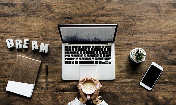 Hoe kan ek uit 'n blog geld verdien?