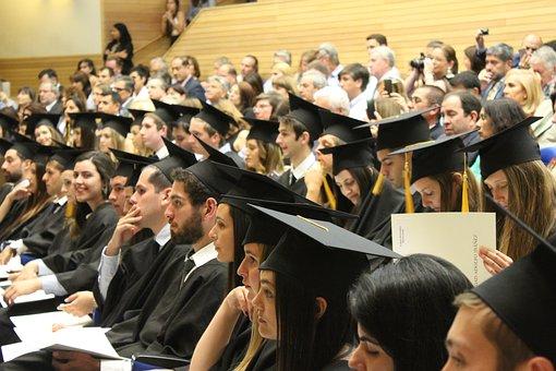 Waarom selfstandige navorsing aan privaat universiteite suksesvol moet wees