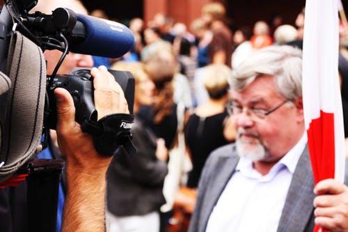 Onafhanklike media se rol in die strewe na selfstandigheid